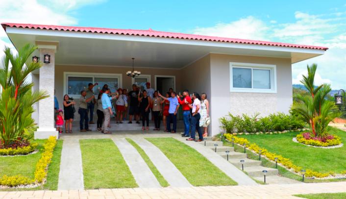 Inauguración de la Casa Modelo